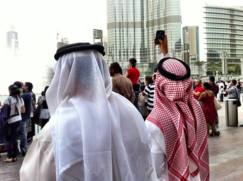 Photographing the Burj Khalifa on a smartphone
